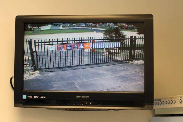 Public Storage - Oak Creek - 9810 S 27th Street 9810 S 27th Street Oak Creek, WI - Photo 3