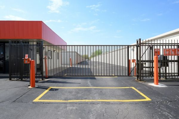 Public Storage - East Hazel Crest - 17208 Halsted Street 17208 Halsted Street East Hazel Crest, IL - Photo 3