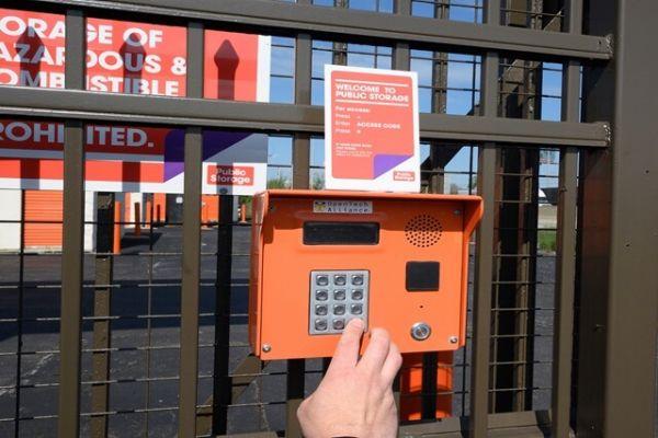 Public Storage - East Hazel Crest - 17208 Halsted Street 17208 Halsted Street East Hazel Crest, IL - Photo 4
