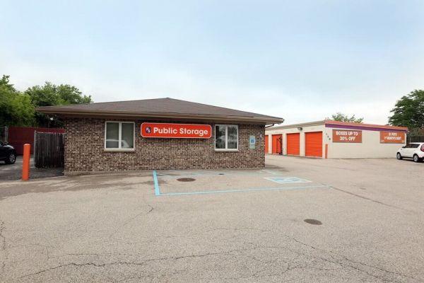 Public Storage - Schaumburg - 130 Hillcrest Blvd 130 Hillcrest Blvd Schaumburg, IL - Photo 0