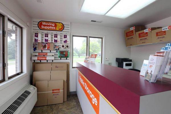 Public Storage - Schaumburg - 130 Hillcrest Blvd 130 Hillcrest Blvd Schaumburg, IL - Photo 2