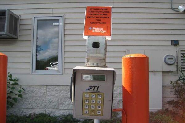 Public Storage - Brown Deer - 9199 N Green Bay Road 9199 N Green Bay Road Brown Deer, WI - Photo 4