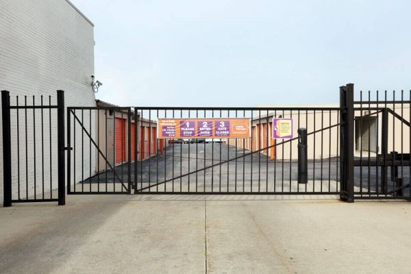 Public Storage - Chicago Heights - 20909 Western Ave 20909 Western Ave Chicago Heights, IL - Photo 3