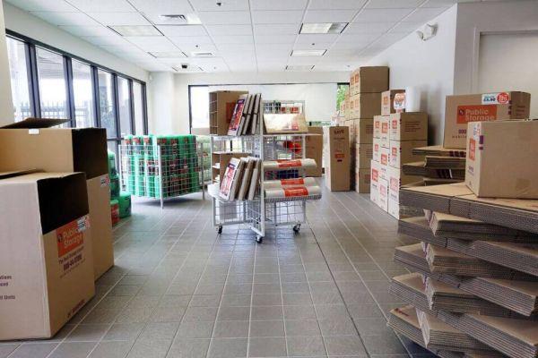 Public Storage - Honolulu - 4100 Waialae Ave 4100 Waialae Ave Honolulu, HI - Photo 2