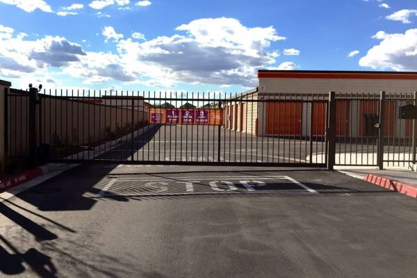 Public Storage - Gilbert - 7460 S Power Rd 7460 S Power Rd Gilbert, AZ - Photo 3