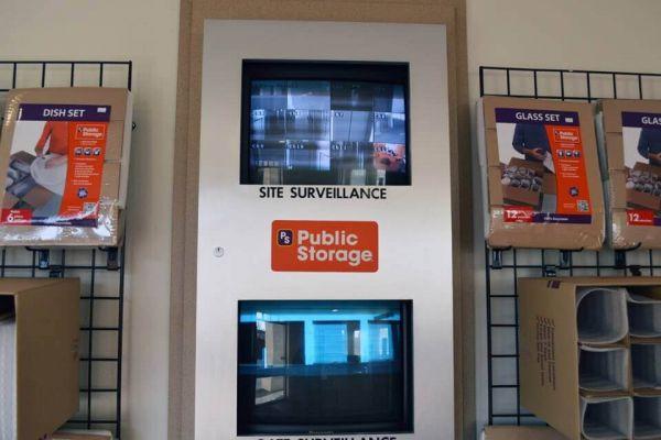 Public Storage - Portland - 8437 SW Barbur Blvd 8437 SW Barbur Blvd Portland, OR - Photo 3