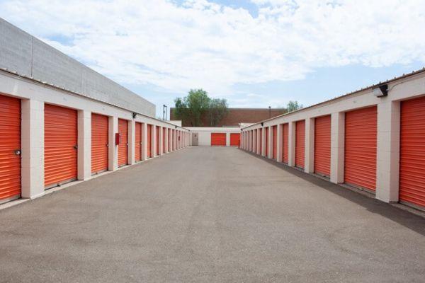 Public Storage - Tempe - 700 W Warner Rd 700 W Warner Rd Tempe, AZ - Photo 1