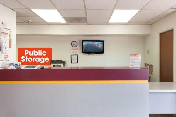 Public Storage - Tempe - 700 W Warner Rd 700 W Warner Rd Tempe, AZ - Photo 2