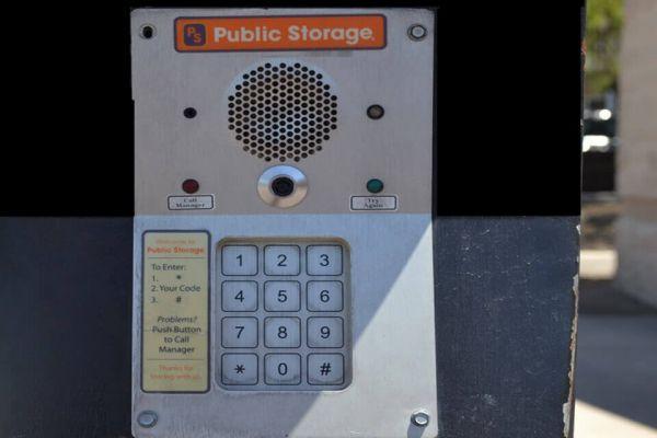 Public Storage - Glendale - 6443 W Bell Rd 6443 W Bell Rd Glendale, AZ - Photo 4