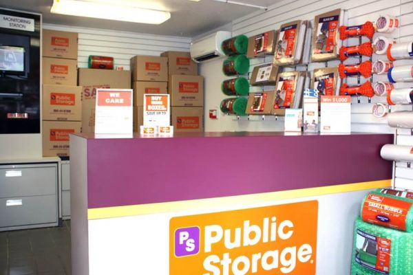 Public Storage - Lake Oswego - 801 N State Street 801 N State Street Lake Oswego, OR - Photo 2