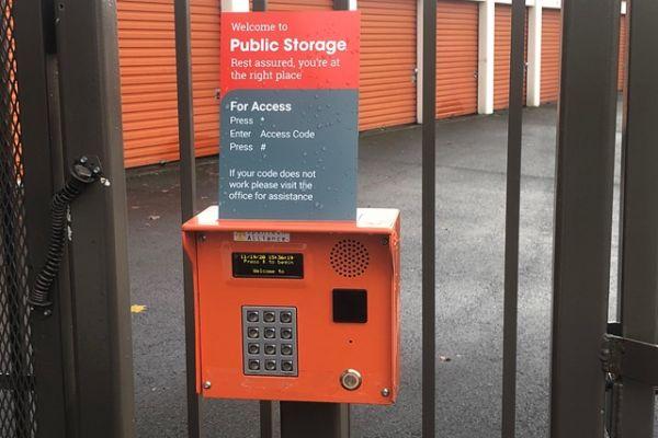 Public Storage - Gresham - 2730 NW Division St 2730 NW Division St Gresham, OR - Photo 4
