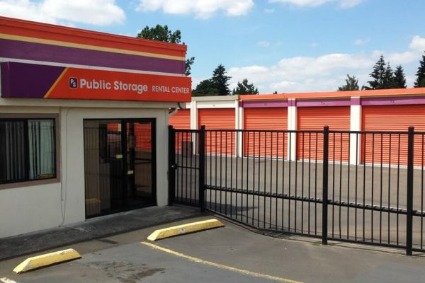 Public Storage - Gresham - 1421 E Powell Blvd 1421 E Powell Blvd Gresham, OR - Photo 0