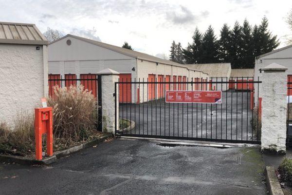 Public Storage - Gresham - 2636 NE Hogan Dr 2636 NE Hogan Road Gresham, OR - Photo 3