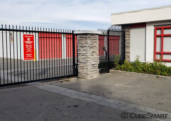 CubeSmart Self Storage - Long Beach - 2323 E. South St. 2323 East South Street Long Beach, CA - Photo 5