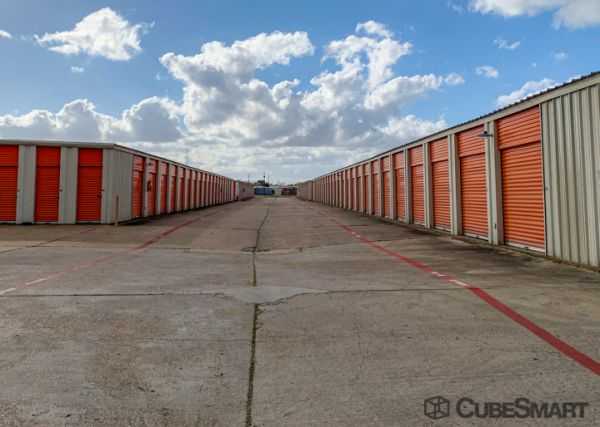 CubeSmart Self Storage - Victoria 3803 North Navarro Street Victoria, TX - Photo 2
