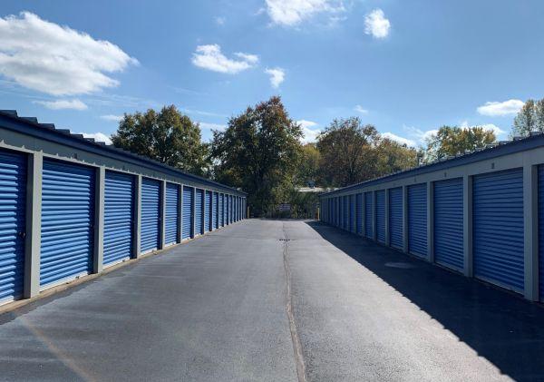 Elkridge Storage 1510 Research Drive Jeffersonville, IN - Photo 0