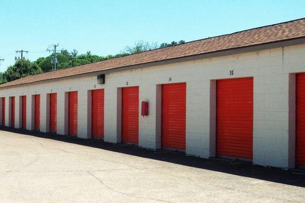 Public Storage - Chattanooga - 7822 E Brainerd Road 7822 E Brainerd Road Chattanooga, TN - Photo 1