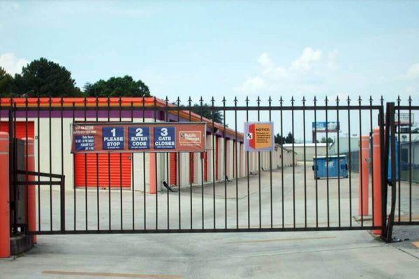 Public Storage - Hixson - 1015 Gadd Road 1015 Gadd Road Hixson, TN - Photo 3