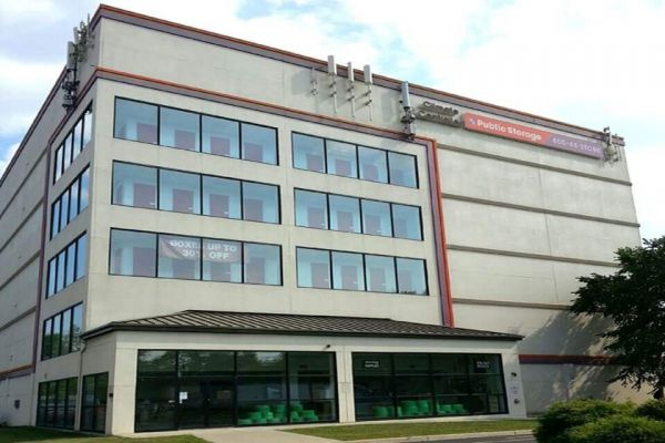 Public Storage - Rochelle Park - 168 State RT 17 N 168 State RT 17 N Rochelle Park, NJ - Photo 0