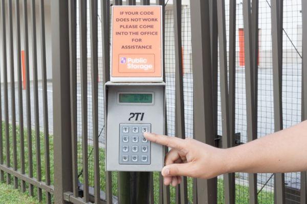 Public Storage - Silver Spring - 12355 Prosperity Dr 12355 Prosperity Dr Silver Spring, MD - Photo 4