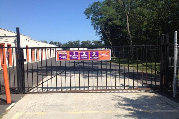 Public Storage - Eatontown - 341 Highway 35 341 Highway 35 Eatontown, NJ - Photo 3