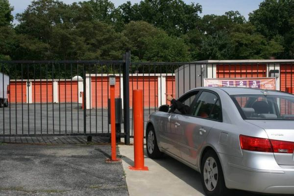 Public Storage - Bowie - 5801 Woodcliff Rd 5801 Woodcliff Rd Bowie, MD - Photo 4