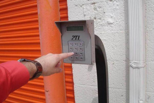 Public Storage - Warren - 24455 Schoenherr Road 24455 Schoenherr Road Warren, MI - Photo 4