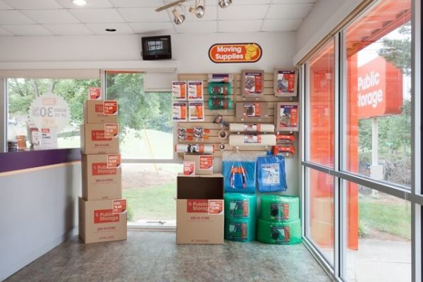 Public Storage - Raleigh - 8733 Glenwood Ave 8733 Glenwood Ave Raleigh, NC - Photo 2