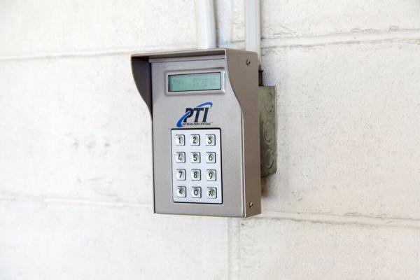 Public Storage - Rockville Centre - 484 Sunrise Hwy 484 Sunrise Hwy Rockville Centre, NY - Photo 4