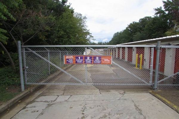 Public Storage - Richmond - 7625 Staples Mill Road 7625 Staples Mill Road Richmond, VA - Photo 3