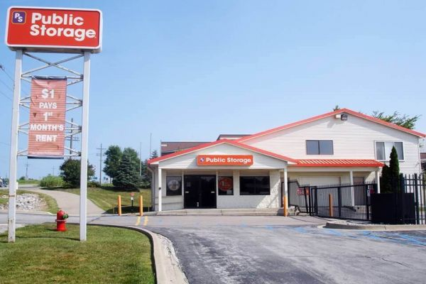 Public Storage - Auburn Hills - 4040 Lapeer Road 4040 Lapeer Road Auburn Hills, MI - Photo 0