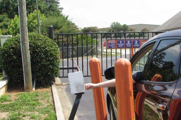 Public Storage - Greensboro - 321 N Chimney Rock Road 321 N Chimney Rock Road Greensboro, NC - Photo 4