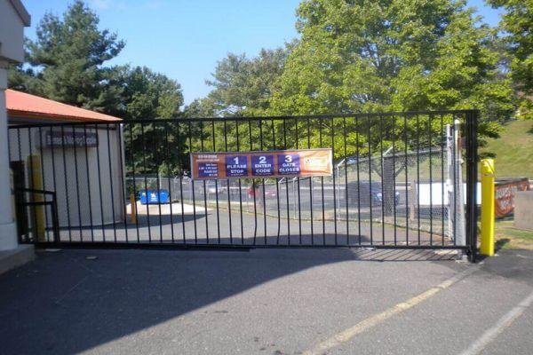 Public Storage - Dale City - 14215 Minnieville Road 14215 Minnieville Road Dale City, VA - Photo 3