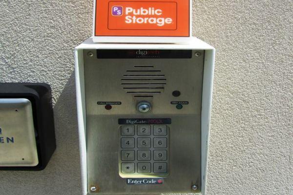 Public Storage - Charlotte - 5607 S Tryon St 5607 S Tryon St Charlotte, NC - Photo 4