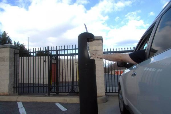 Public Storage - Sterling - 47038 Harry Byrd Hwy 47038 Harry Byrd Hwy Sterling, VA - Photo 4