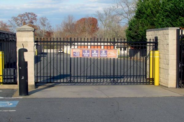 Public Storage - Sterling - 47038 Harry Byrd Hwy 47038 Harry Byrd Hwy Sterling, VA - Photo 3