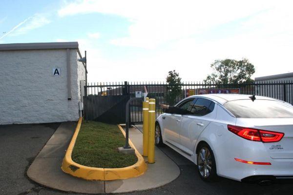 Public Storage - Centreville - 6325 Stone Rd 6325 Stone Rd Centreville, VA - Photo 4