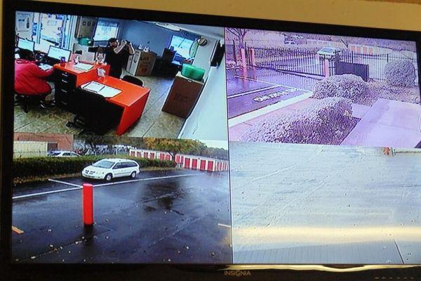 Public Storage - Charlotte - 4730 N Tryon St 4730 N Tryon St Charlotte, NC - Photo 3