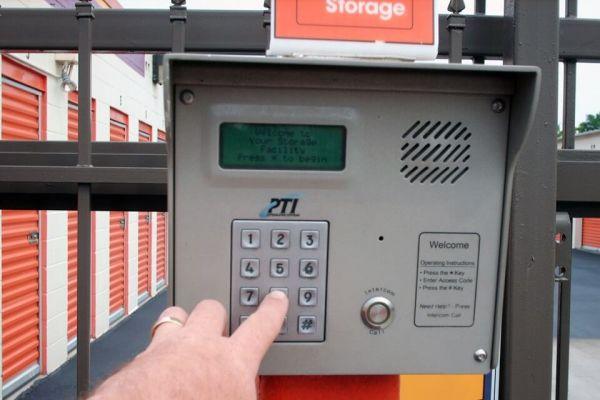 Public Storage - Huntsville - 2902 Drake Ave SW 2902 Drake Ave SW Huntsville, AL - Photo 4