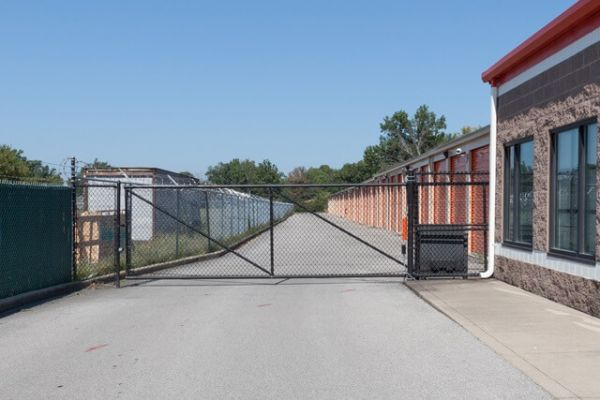 Public Storage - Louisville - 7650 Dixie Hwy 7650 Dixie Hwy Louisville, KY - Photo 3
