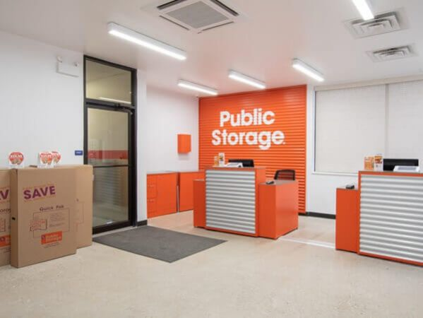 Public Storage - Chicago - 5643 N Broadway St 5643 N Broadway St Chicago, IL - Photo 2