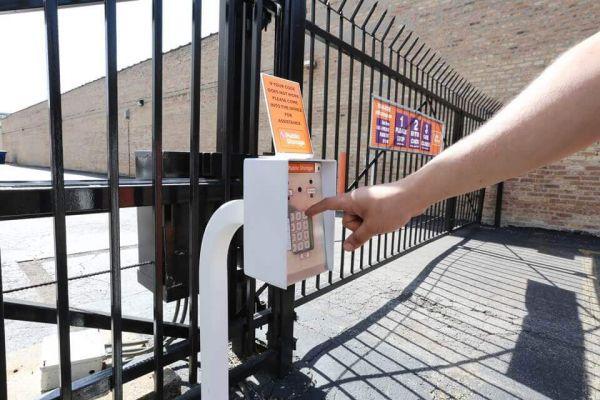 Public Storage - Chicago - 4072 N Broadway Street 4072 N Broadway Street Chicago, IL - Photo 4