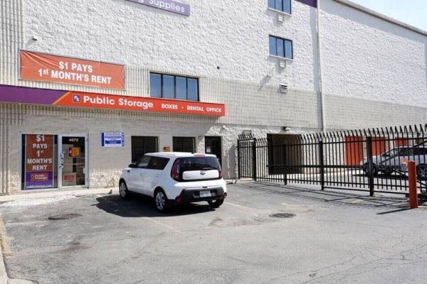 Public Storage - Chicago - 4072 N Broadway Street 4072 N Broadway Street Chicago, IL - Photo 0
