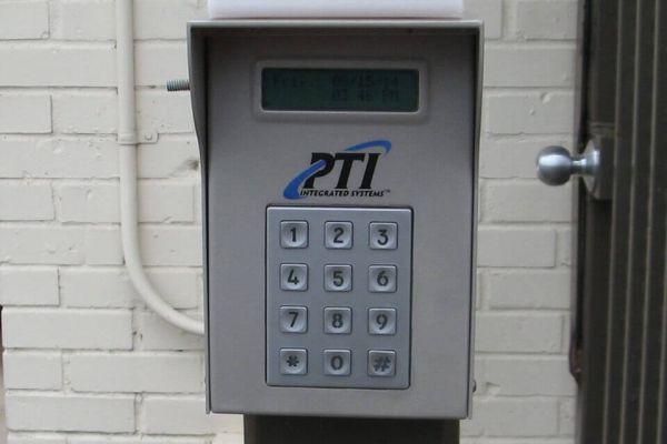 Public Storage - Gladstone - 7707 N Oak Trafficway 7707 N Oak Trafficway Gladstone, MO - Photo 4