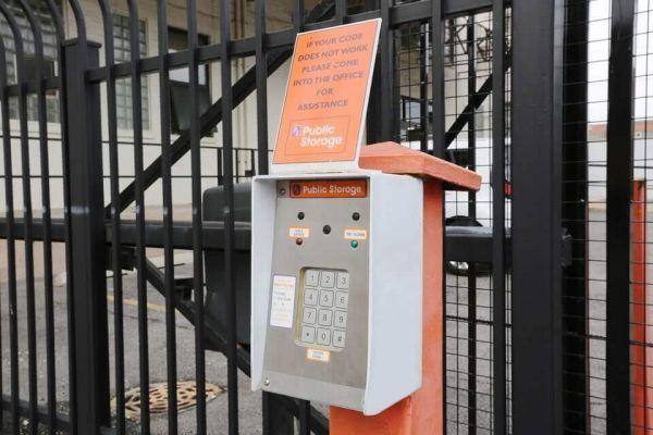 Public Storage - Chicago - 3327 W 47th Street 3327 W 47th Street Chicago, IL - Photo 4