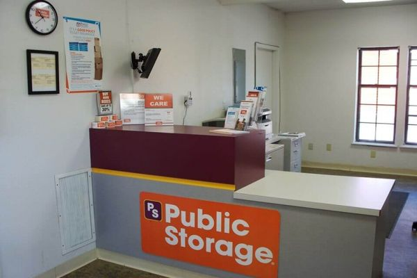 Public Storage - Independence - 2700 M 291 Frontage Rd 2700 M 291 Frontage Rd Independence, MO - Photo 2
