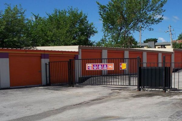 Public Storage - Independence - 2700 M 291 Frontage Rd 2700 M 291 Frontage Rd Independence, MO - Photo 3