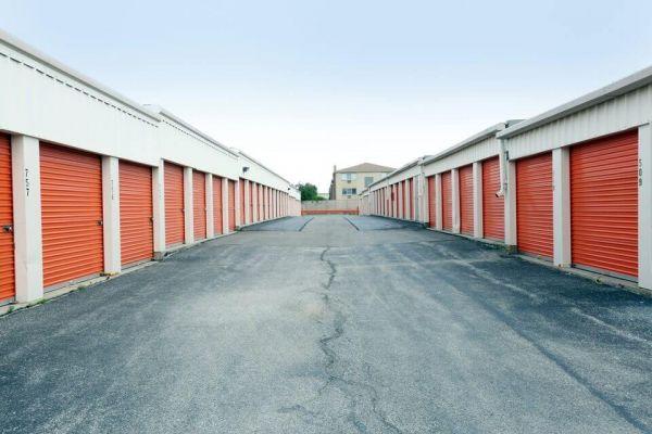 Public Storage - Schiller Park - 3902 River Road 3902 River Road Schiller Park, IL - Photo 1
