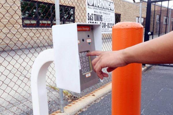 Public Storage - Schiller Park - 3902 River Road 3902 River Road Schiller Park, IL - Photo 4