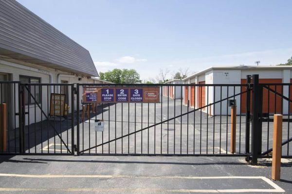 Public Storage - Lombard - 412 W North Ave 412 W North Ave Lombard, IL - Photo 3